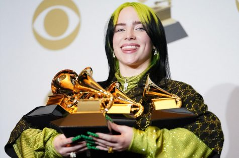 Billie flexing all of her Grammy